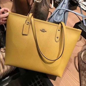 Coach city zip tote yellow